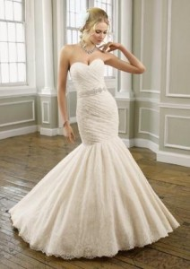 1Make sure you can move in your wedding dress